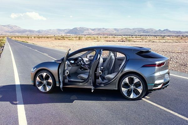 image-of-i-pace-at-the-middle-of-the-road