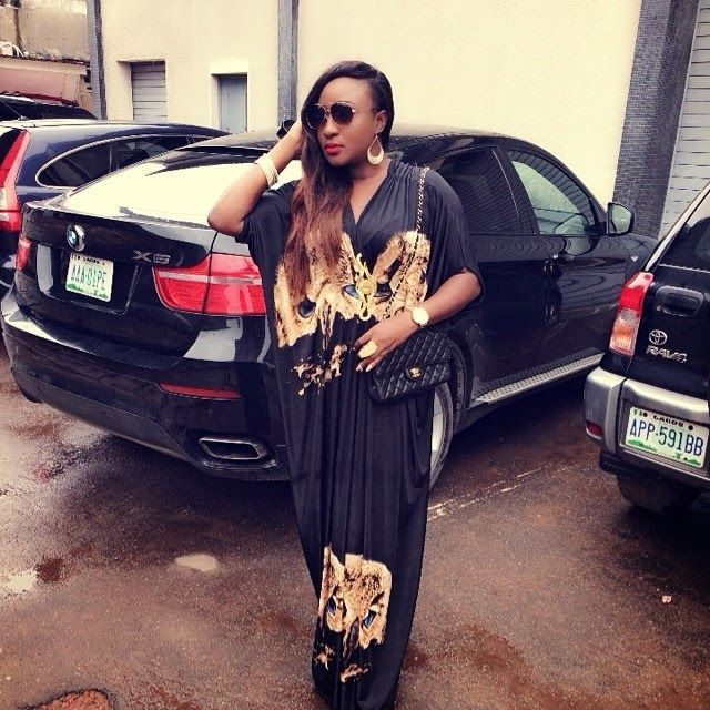 Actress-Ini-Ed-black-car