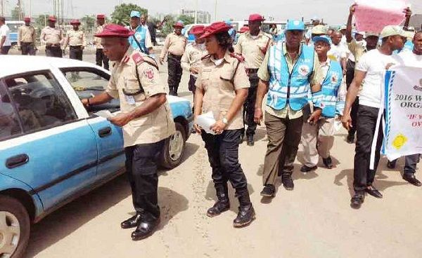 FRSC-officers-check-a-car