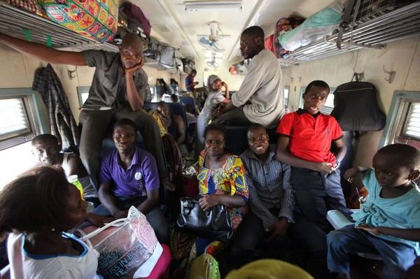 crowded-train-in-nigeria