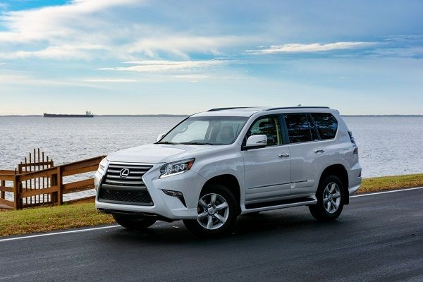 a-white-2018-GX460-cruising-on-the-road