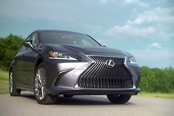 a-car-highlighting-its-lexus-logo-on-grille