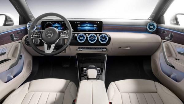 Mercedes-Benz-A220-inside
