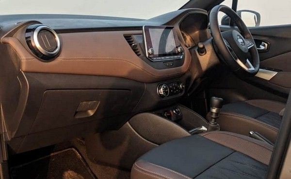 Nissan-Kicks-2019-interior