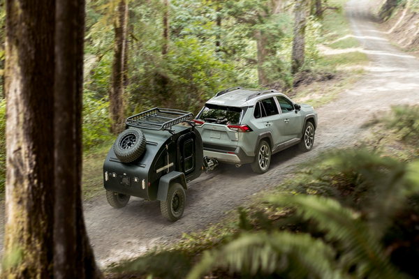 RAV4-towing-a-payload