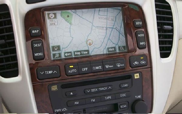 Safety-console-of-2005-Toyota-Highlander
