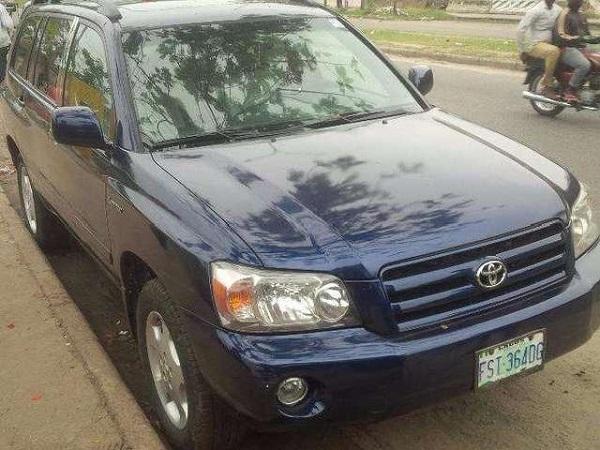 2005-Toyota-Highlander-front