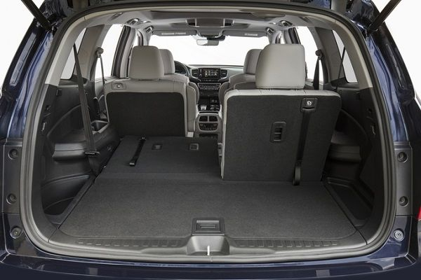 Cargo-hold-of-Honda-Pilot