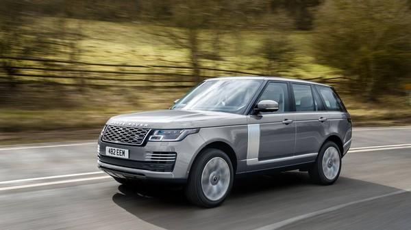 2020-Range-Rover-on-road
