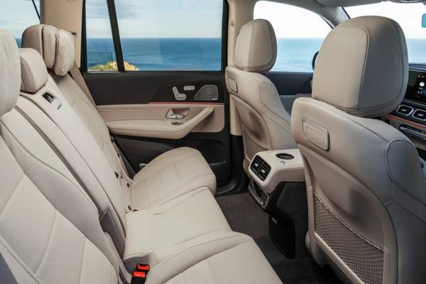 2019-Mercedes-Benz-GLS-interior