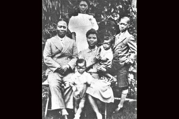 Mrs-funmilayo-and-her-family