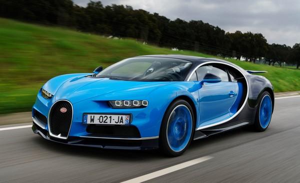 2018-bugatti-chiron-on-road