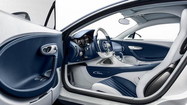 Bugatti-Chiron-interior
