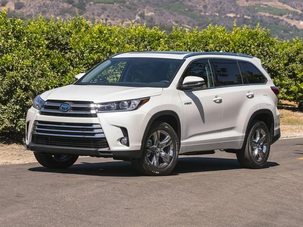 white-Toyota-Highlander