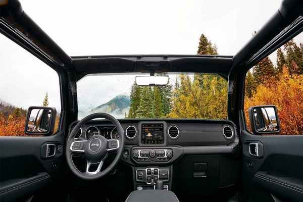 Dashboard-view-of-2019-jeep-wrangler