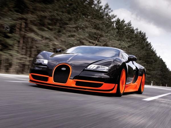 Bugatti-Veyron-running
