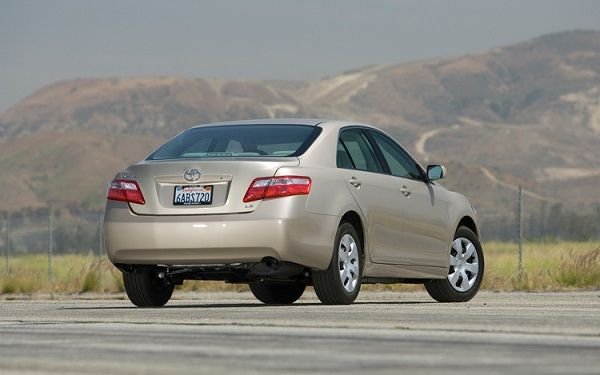 image-of-2008-toyota-camry-rear-view