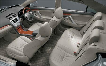 Toyota-Camry-200-interior