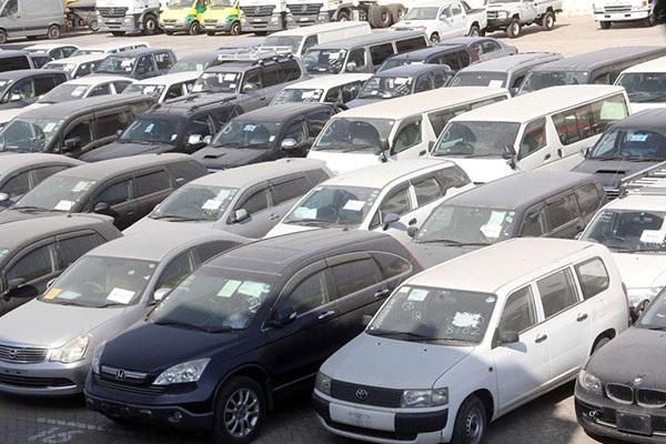 A-used-car-lot-in-Kenya