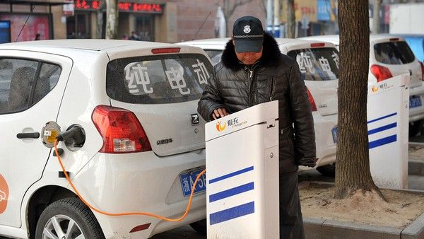 Chinese-charging-electric-car