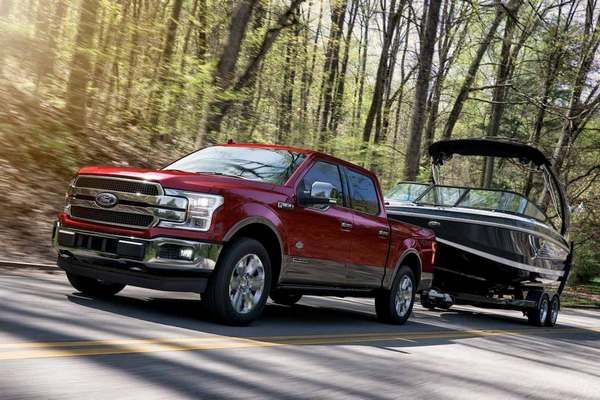 F-150-king-ranch-towing-a-boat