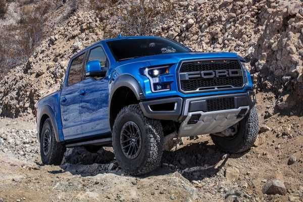 The-2019-Ford-F-150-Raptor