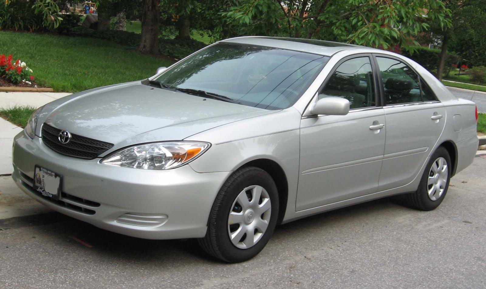 Toyota-camry-2004
