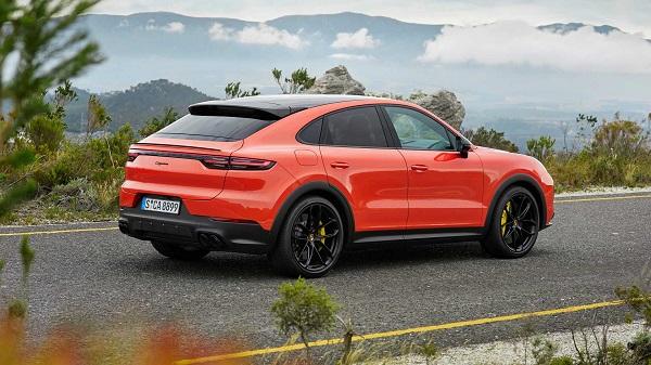 2019-Porsche-Cayenne-Coupe-angular-rear