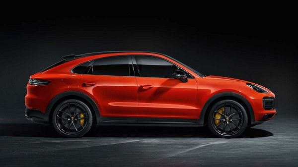 2019-Porsche-Cayenne-Coupe-sideview