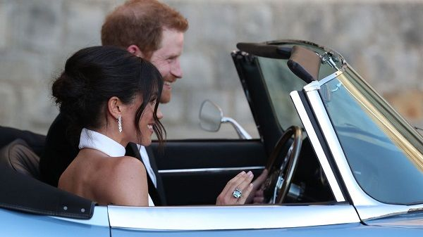 Prince-Harry-and-Princess-Meghan-in-car