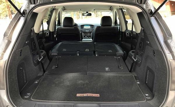 2019-Nissan-Pathfinder-folded-seats