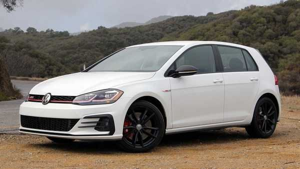 angular-front-of-the-Volkswagen-GTI