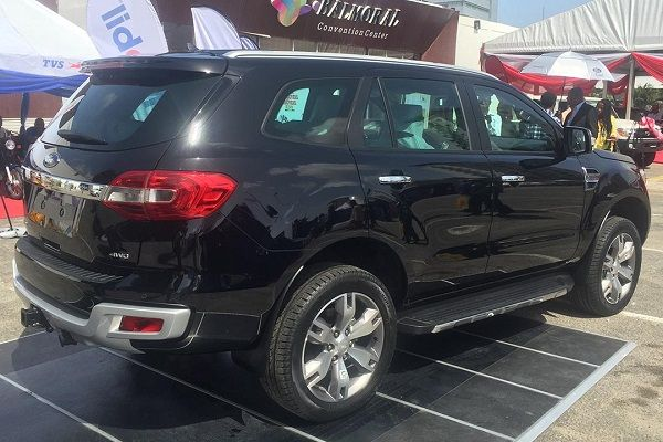 2019-Ford-Everest-exterior-showcased