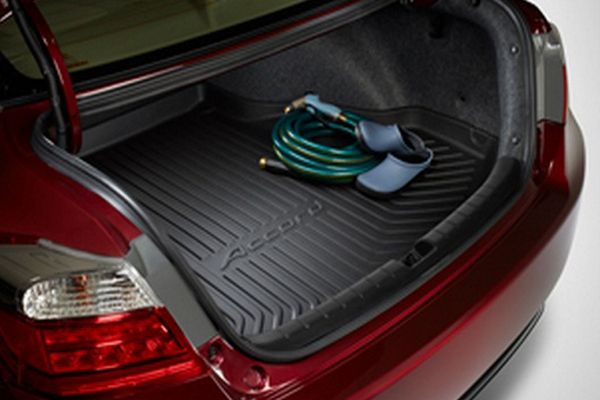 open-trunk-of-the-Accord