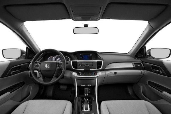 Interior-view-of-Honda-accord