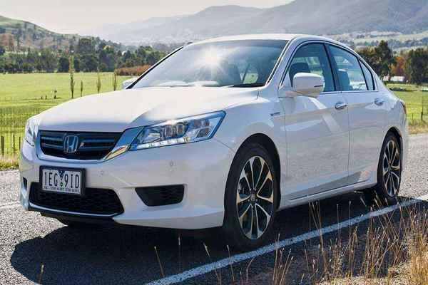Front-view-of-the-Honda-Accord-Hybrid