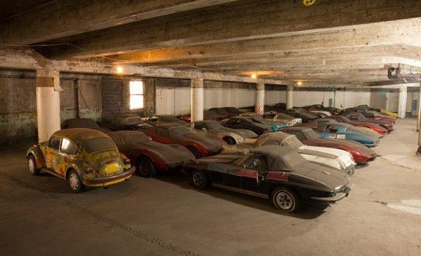 Fleet-of-abandoned-cars-in-a-garage