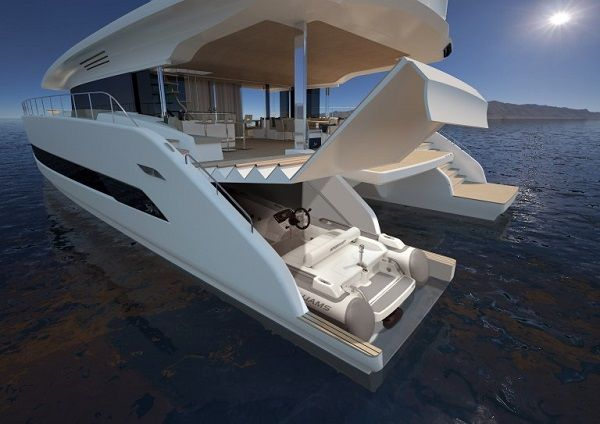 The-silent-80-yacht-front