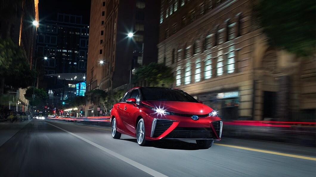 Toyota-Mirai-shown-in-salsa-red-pearl