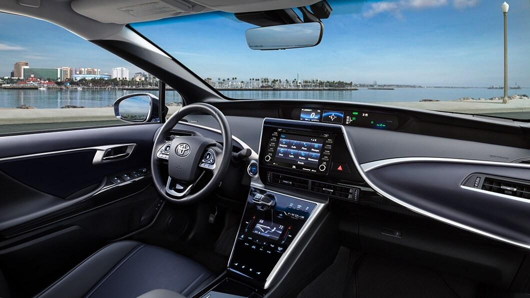 Toyota-Mirai-interior