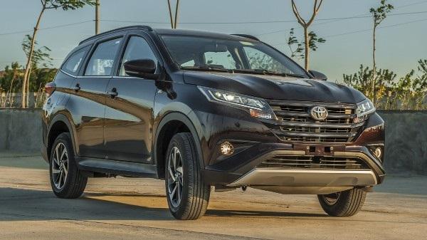 2019-Toyota-Rush-compact-SUV