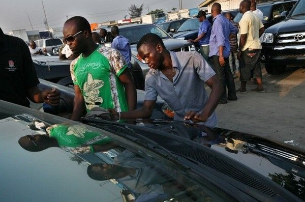 nigerian-buying-car
