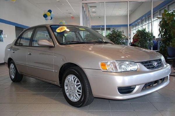 2001-Toyota-Corolla-angular-front