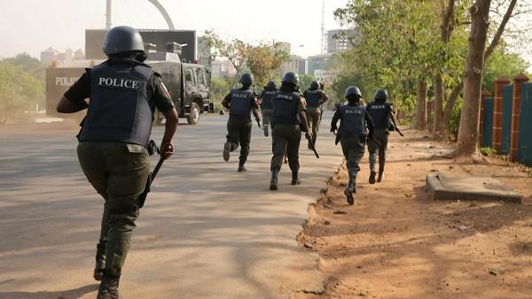 nigerian-police-on-duty