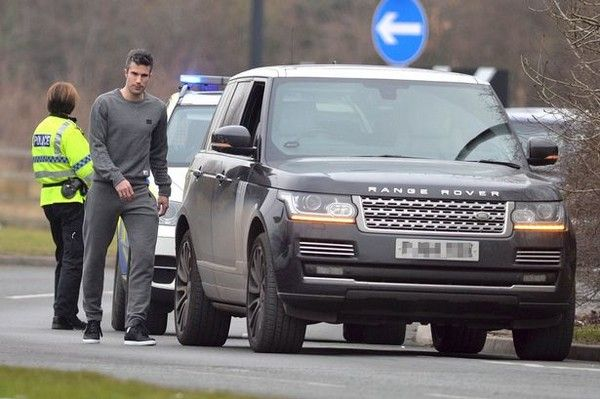 robin-van-persie-pulled-over-by-police