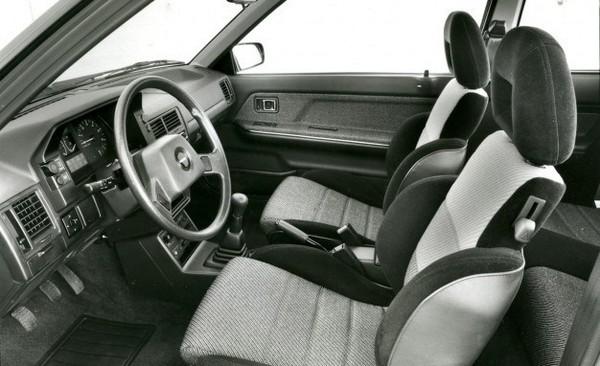 Mazda-323-interior