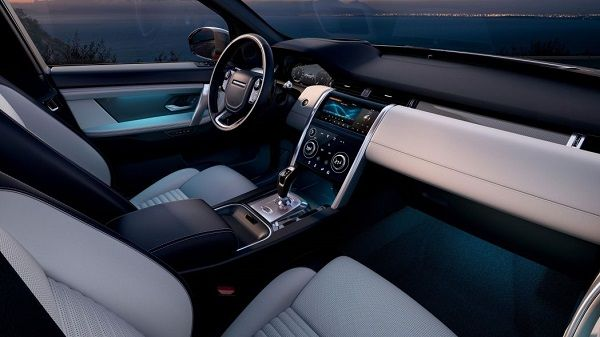 2020-Land-Rover-Discovery-Sports-interior