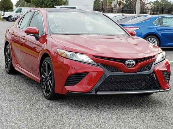 Toyota-camry-2019-partial-front-view