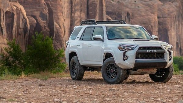 off-road-4runner-three-quarter-front-view