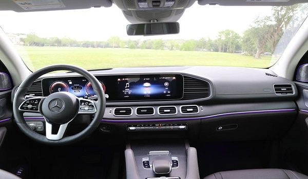 interior-Mercedes-GLE-580